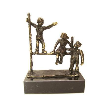 Bronze sculpture 'Playing Children' AR-BRMA00576