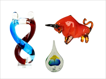 Glass showpieces, objects & sculptures